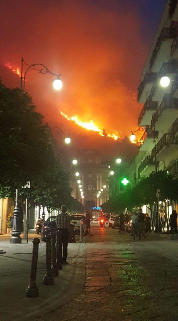Sarno incendio monte Saretto