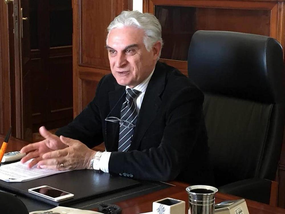 sindaco Giuseppe Canfora