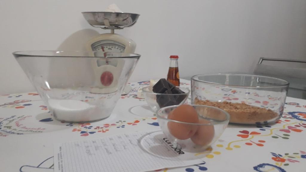 torta amaretti e cioccolato ingredienti