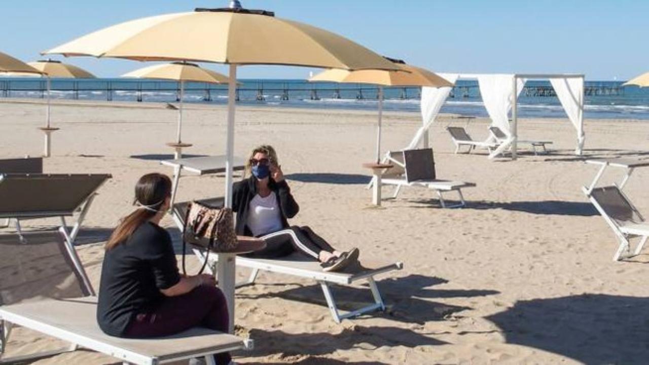 Piscine A Nocera Inferiore de luca riapre le spiagge - in prima news